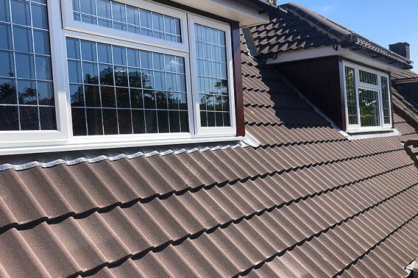 roofing-Southend-Roofers-cladding-tiling-roof-tiles