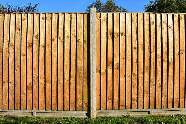 Fence-Sense-Ltd-Recycled-Materials-Wanted-Fences-Soil-Bark-Logs-Plastic-Friendly-Garden-Supplies-Southend-Essex-4