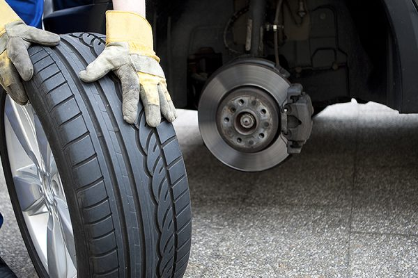 GH-Tyres-Mobile-Tyre-Service-Southend-Punchure-Repairs-Emergency-Tyre-Call-Out-24-Hour-Service4