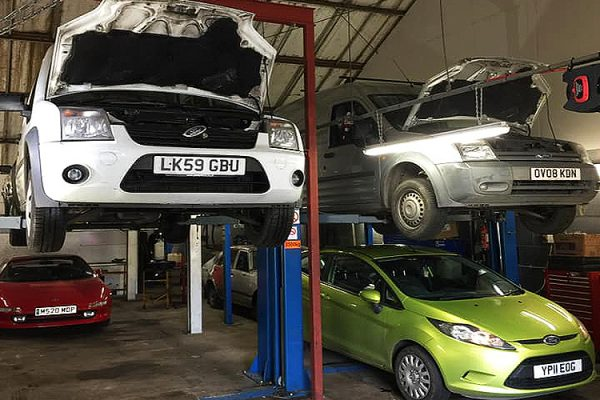 B-W-Motoring-Services-Car-And-Vehicle-MOT-Services-Vehicle-Repairs-Car-Repairs-Mechanic-Southend-24-Hour-Breakdown-Service-Southend-Essex-2