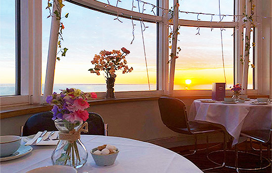 Cliffs-Pavilion-Foyer-Bar-Cafe-Restaurant-Eating-Out-Lunch-Dinner-Breakfast-Afternoon-Tea-Southend7