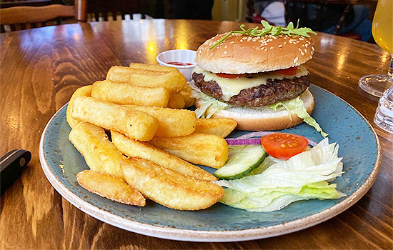 Horse-And-Groom-Pub-Food-Southend