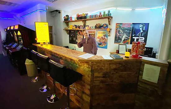 Neon-Knights-Arcade-Cafe-Gaming-Snacks-Kids-Fun-Retro-Arcades-Freeplay-Gaming-Bar-Hire-Southend-4