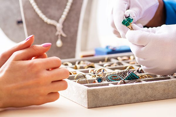 Stuarts-Of-Leigh-Jewellery-Shop-Gold-Buyers-Engagement-Rings-Jewellery-Repairs-Watch-Repairs-Pre-Loved-Jewellery-Southend-Essex-2