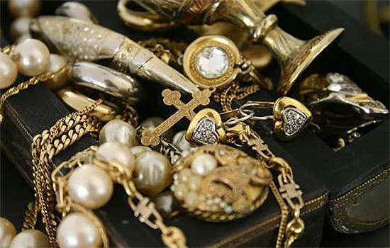 Stuarts-Of-Leigh-Jewellery-Shop-Gold-Buyers-Engagement-Rings-Jewellery-Repairs-Watch-Repairs-Pre-Loved-Jewellery-Southend-Essex-4