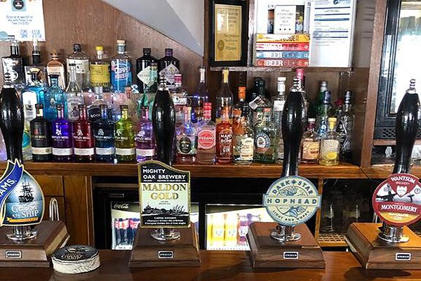 The-Cricketers-Pub-And-Restaurant-Cocktails-Eating-Out-Live-Music-Events-Quiz-Night-Italian-Night-Sunday-Lunch-Beer-Garden-Southend-Essex-.