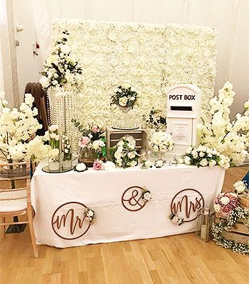 The-Flower-Stores-Florist-Wedding-Flowers-Funeral-Occasional-Flowers-Banners-Gift-Bags-Bouquets-Southend7